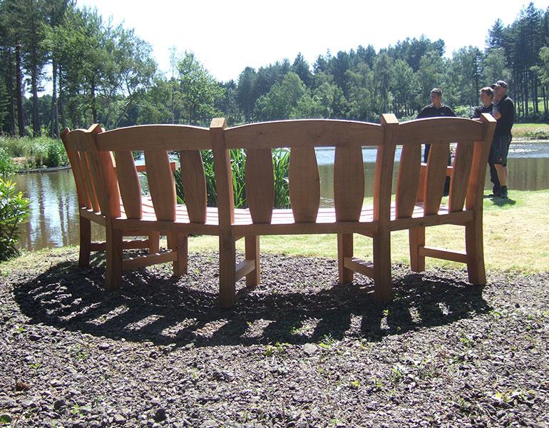 oak-goosey-bench-curved-golfcourse4-oxfordoak